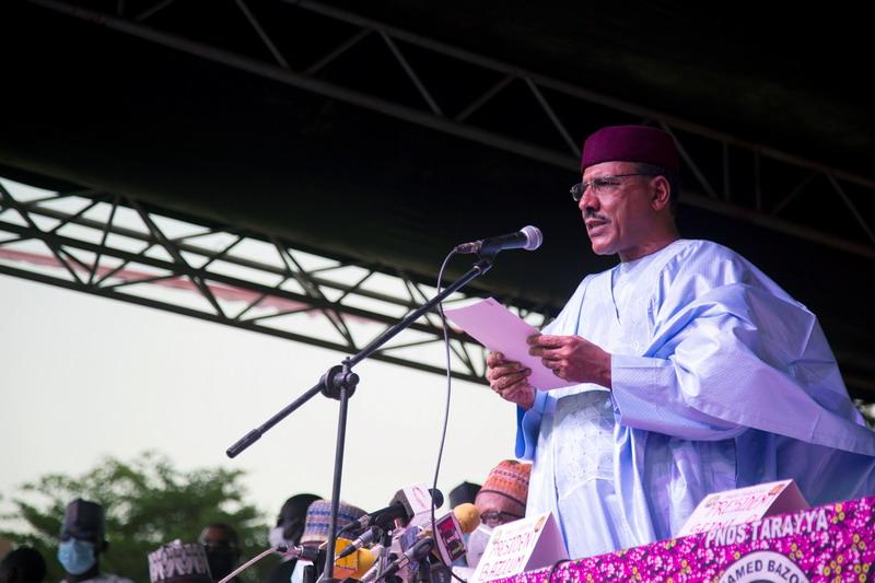 https: img.okezone.com content 2021 03 31 18 2387233 suara-tembakan-hebat-terdengar-dekat-kantor-kepresidenan-niger-8UkpGmgcP5.jpg