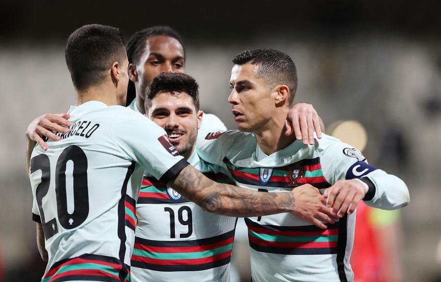 https: img.okezone.com content 2021 03 31 51 2386846 cristiano-ronaldo-cetak-gol-portugal-hajar-luksemburg-3-1-hdmZcbBkqh.jpg