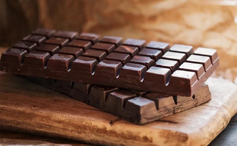 https: img.okezone.com content 2021 04 01 298 2388109 manfaat-cokelat-salah-satunya-redakan-stres-di-tengah-pandemi-4xngMrcGIZ.jpg