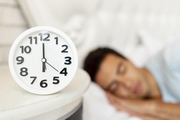 https: img.okezone.com content 2021 04 01 481 2387848 studi-tidur-cukup-terbukti-turunkan-risiko-terinfeksi-covid-19-hB1KaTBonT.jpg