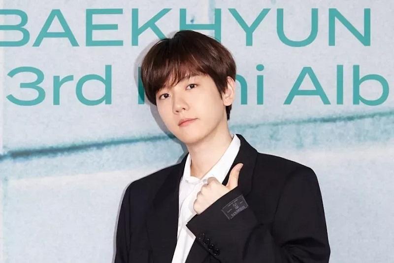 https: img.okezone.com content 2021 04 02 33 2388539 baekhyun-exo-umumkan-tanggal-wamil-3k8gIoDRGQ.jpg