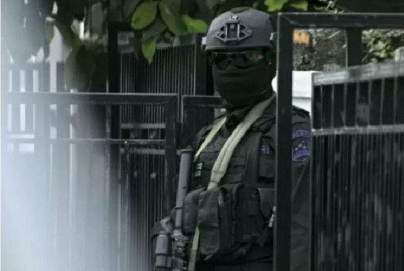 https: img.okezone.com content 2021 04 02 519 2388423 2-terduga-teroris-surabaya-dan-tuban-jaringan-ji-dan-jad-NXSAY9AkkQ.jpg