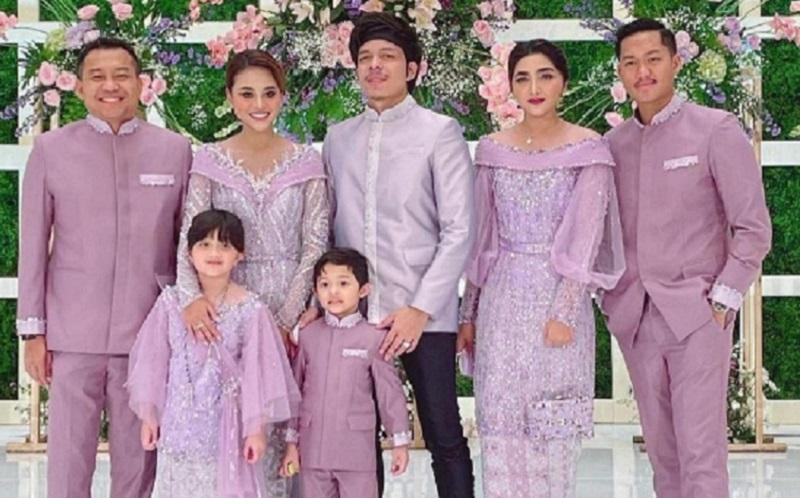 https: img.okezone.com content 2021 04 03 330 2388638 anang-hermasyah-nikahkan-aurel-kenali-5-macam-wali-nikah-dalam-islam-zGFs48O8qN.jpg
