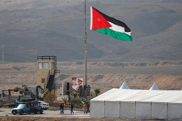 https: img.okezone.com content 2021 04 04 18 2389114 tuduhan-kudeta-sejumlah-mantan-pejabat-dan-anggota-kerajaan-yordania-ditahan-1tdPlFmzhu.jpeg