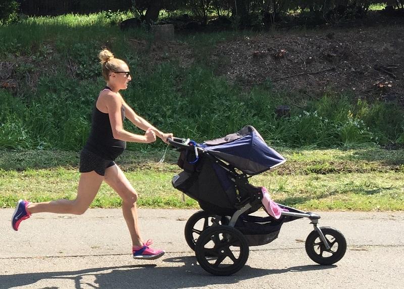 https: img.okezone.com content 2021 04 05 18 2389455 stroller-ditabrak-bmw-bayi-berusia-14-hari-tewas-RX78DtsfYG.jpg