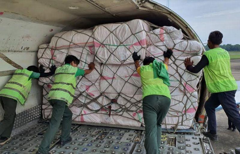 https: img.okezone.com content 2021 04 05 337 2389393 kemensos-kirim-bantuan-bagi-korban-banjir-di-bima-Hy9xmWSk0w.jpg