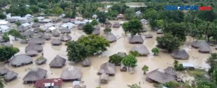 https: img.okezone.com content 2021 04 05 340 2389467 banjir-dahsyat-ntt-warga-temukan-mayat-di-lautanterbaring-di-atas-kasur-YxnjBcSHj8.jpg