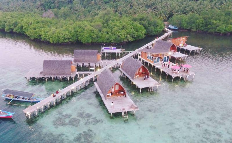 https: img.okezone.com content 2021 04 05 408 2389729 wisata-pulau-pahawang-surga-bawah-laut-tersembunyi-di-lampung-selatan-Uu1RK6rN3S.jpg