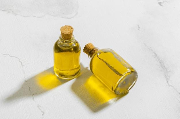 https: img.okezone.com content 2021 04 05 481 2389550 minyak-jojoba-solusi-jitu-masalah-kulit-dan-rambut-simak-cara-pakainya-ocphkOMudp.jpg