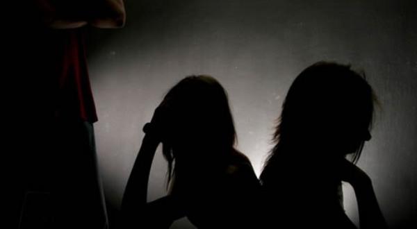https: img.okezone.com content 2021 04 05 525 2389840 libatkan-anaknya-dalam-praktik-prostitusi-ibu-dia-yang-minta-Pq4e9LVusf.jpg