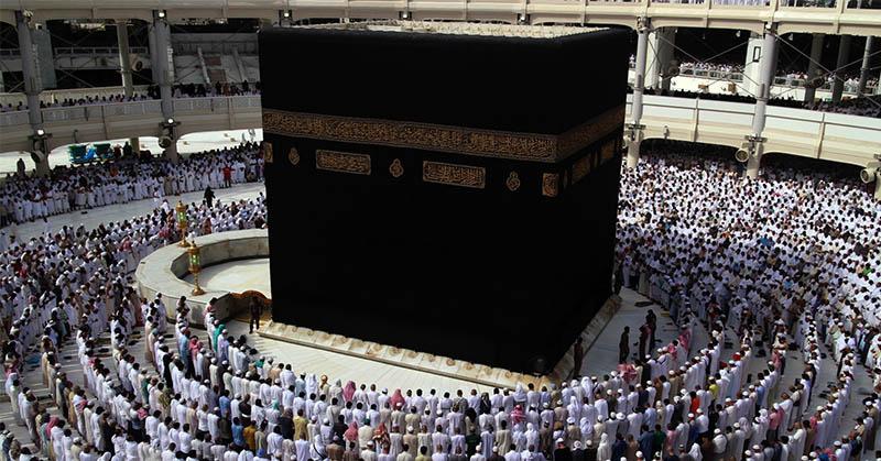 https: img.okezone.com content 2021 04 06 18 2389942 arab-saudi-izinkan-ibadah-umrah-saat-ramadhan-berikut-syaratnya-LMkmWt9Kw2.jpg
