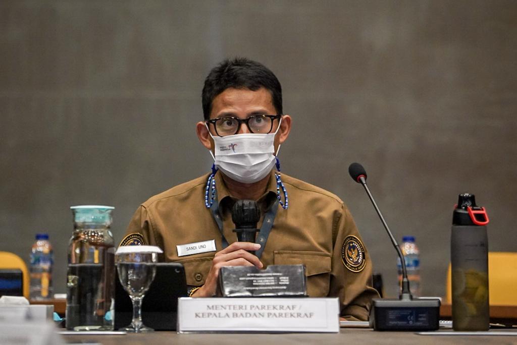 https: img.okezone.com content 2021 04 06 320 2390477 sandiaga-uno-pandemi-jadi-kesempatan-pariwisata-halal-indonesia-berbenah-WPXPL6Dm98.jpeg