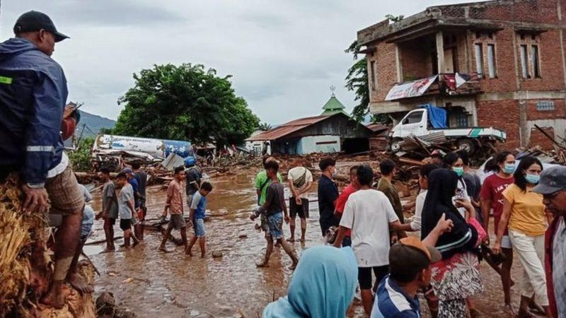https: img.okezone.com content 2021 04 06 337 2389974 banjir-dan-longsor-ntt-cuaca-ekstrem-pengiriman-logistik-ke-pulau-adodara-terkendala-wjebZSGtlz.jpg
