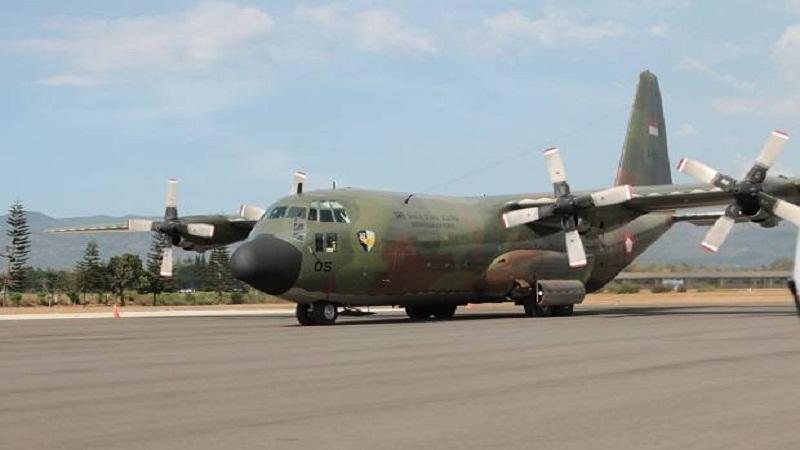 https: img.okezone.com content 2021 04 06 337 2389979 angkut-bantuan-kemanusiaan-ke-ntt-tni-siagakan-4-pesawat-hercules-dari-malang-ZDEIkMIu5W.jpg