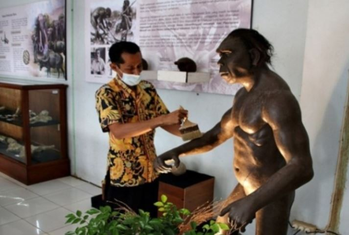 https: img.okezone.com content 2021 04 06 406 2390106 rumah-artefak-blora-bersolek-demi-pikat-wisatawan-ada-replika-homo-erectus-lho-snm7gJigEe.JPG