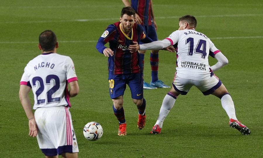 https: img.okezone.com content 2021 04 06 46 2389923 daftar-top-skor-liga-spanyol-tak-cetak-gol-tapi-lionel-messi-masih-di-puncak-V4DaMhB8Hb.jpg