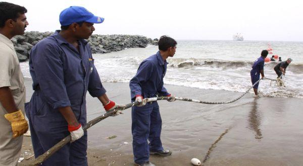 https: img.okezone.com content 2021 04 07 16 2390602 apjii-pastikan-putusnya-kabel-bawah-laut-di-singapura-tak-berdampak-signifikan-uBONTbSKNH.jpg