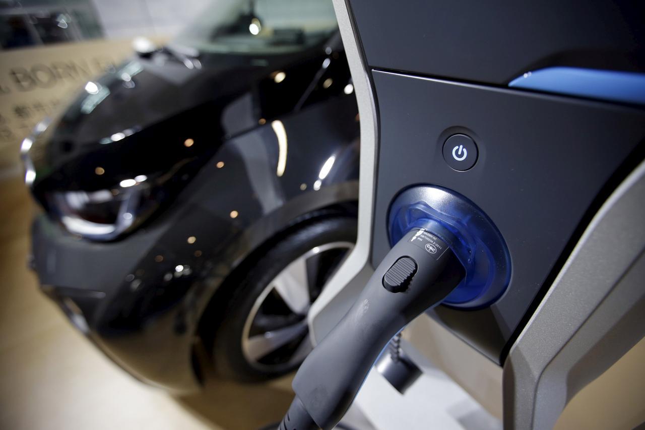 https: img.okezone.com content 2021 04 07 320 2391024 antam-bakal-suplai-bahan-baku-baterai-kendaraan-listrik-uM5FoRAJqs.jpg