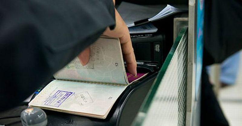 https: img.okezone.com content 2021 04 07 406 2390828 paspornya-diblokir-89-warga-china-dilarang-bepergian-ke-luar-negeri-XJbV9A2yHh.jpg