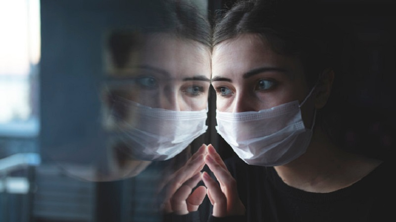 https: img.okezone.com content 2021 04 07 481 2390717 stop-stigma-negatif-ke-penyintas-covid-19-ganggu-kesehatan-mental-yovtKhFoYn.jpg