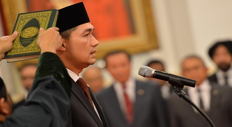 https: img.okezone.com content 2021 04 08 320 2391613 mi-instan-indonesia-katanya-dari-senegal-mendag-saya-mau-ketawa-clXkTUzjwS.jpg