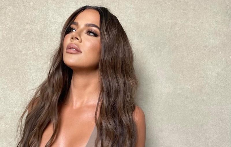 https: img.okezone.com content 2021 04 08 33 2391575 khloe-kardashian-panik-foto-bikini-tanpa-editan-miliknya-tersebar-di-medsos-bUQgWeewC9.jpg