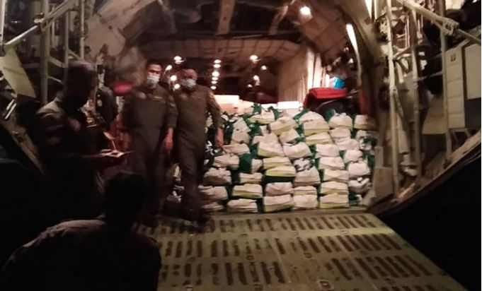 https: img.okezone.com content 2021 04 08 337 2391414 panglima-tni-kirim-12-4-ton-bantuan-untuk-korban-bencana-alam-di-ntt-OJJWn1sQT3.JPG