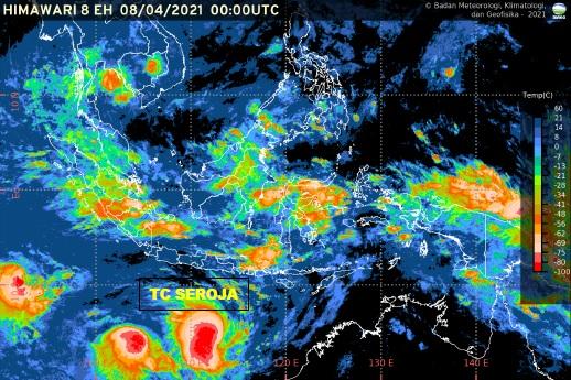 https: img.okezone.com content 2021 04 08 337 2391527 intensitas-siklon-tropis-seroja-meningkat-4-provinsi-diminta-waspada-1N5GYMLzXn.jpg