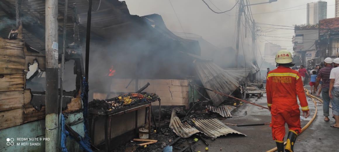 https: img.okezone.com content 2021 04 08 338 2391548 kebakaran-tanah-abang-petugas-api-sangat-besar-DNDTDVzej4.jpg