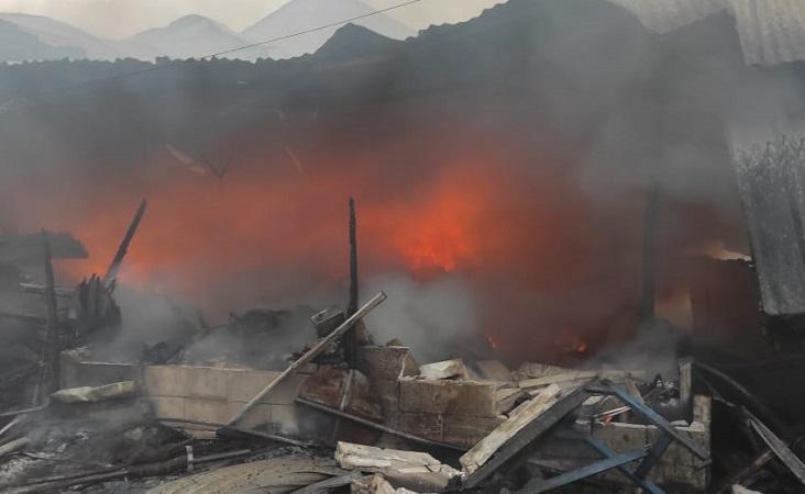 https: img.okezone.com content 2021 04 08 338 2391569 ini-foto-foto-penampakan-kebakaran-di-tanah-abang-2ezrwKKMRO.jpg
