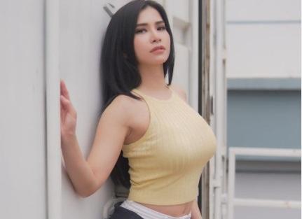 https: img.okezone.com content 2021 04 08 51 2391137 adu-seksi-maria-vania-dan-georgina-rodriguez-saat-berolahraga-P3BlC8lAej.jpg