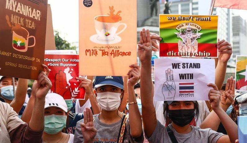 https: img.okezone.com content 2021 04 09 18 2391794 twitter-rilis-emoji-aliansi-teh-susu-untuk-aktivis-pro-demokrasi-uGeoxr7H90.jpg