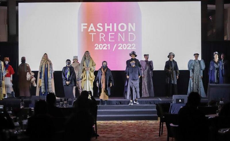 https: img.okezone.com content 2021 04 09 194 2391904 kemenparekraf-luncurkan-e-book-fashion-trend-2021-2022-98DdlmJrM4.jpg