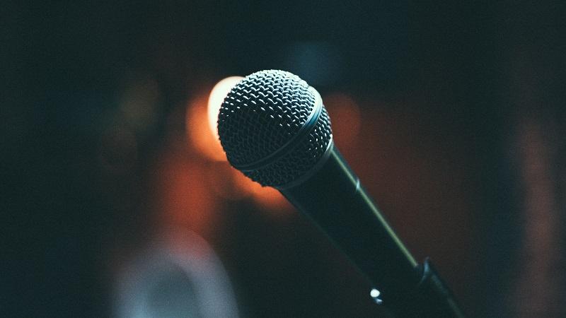 https: img.okezone.com content 2021 04 09 205 2391996 nasib-penyanyi-cover-dan-live-music-setelah-pp-royalti-disahkan-MurfQi1VqO.jpg