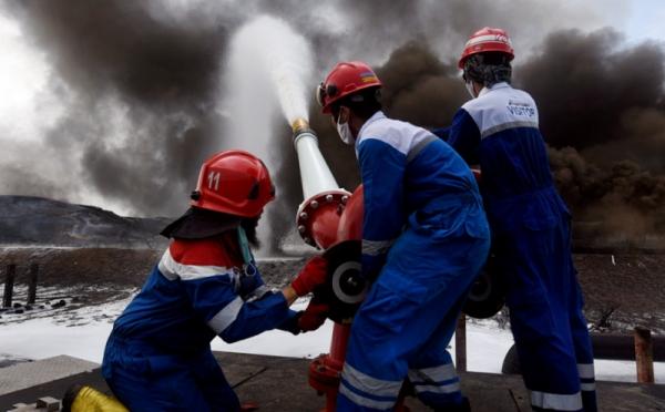https: img.okezone.com content 2021 04 09 320 2391988 pasca-kebakaran-kilang-pertamina-balongan-kembali-produksi-bbm-9k1PfrJcyT.jpg