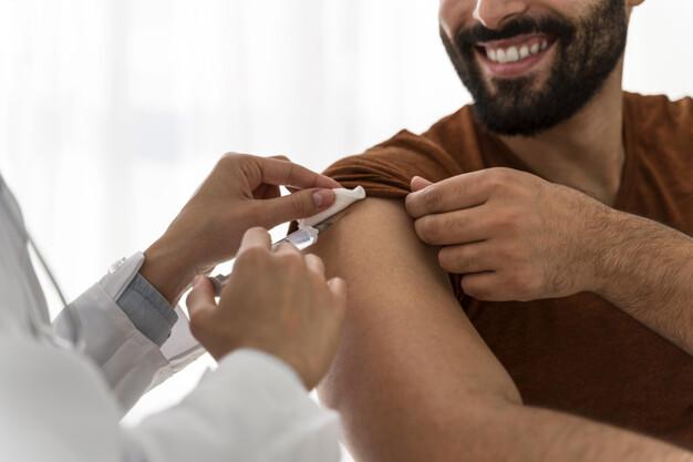 https: img.okezone.com content 2021 04 09 481 2391791 vaksinasi-covid-19-saat-ramadhan-ini-persiapan-yang-perlu-dilakukan-cwmpXxqUEf.jpg