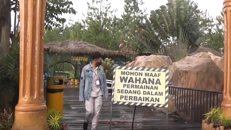 https: img.okezone.com content 2021 04 10 340 2392639 dampak-gempa-malang-patung-gorilla-ikon-snail-coster-jatim-park-2-runtuh-u5aeyQs3JA.jpg