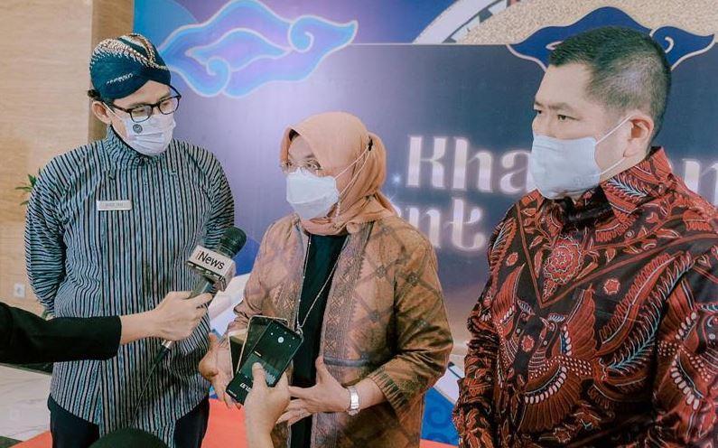 https: img.okezone.com content 2021 04 11 406 2392831 jokowi-dukung-kharisma-event-nusantara-2021-bangkitkan-sektor-parekraf-indonesia-yLU6X6RGxV.JPG