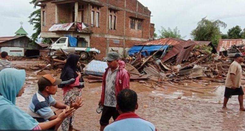 https: img.okezone.com content 2021 04 12 16 2393057 banjir-bandang-di-ntt-telkomsel-percepat-perbaikan-jaringan-EOkp2GtO6W.jpg