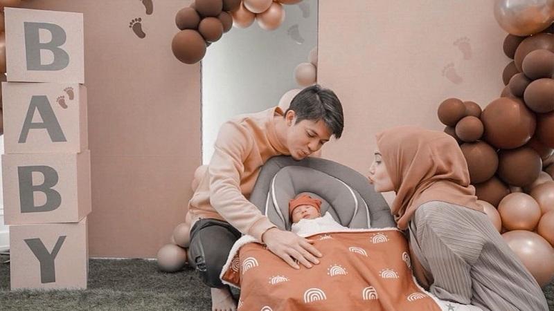 https: img.okezone.com content 2021 04 12 33 2393549 5-artis-yang-melahirkan-anak-di-2021-bloehi8vSb.jpg