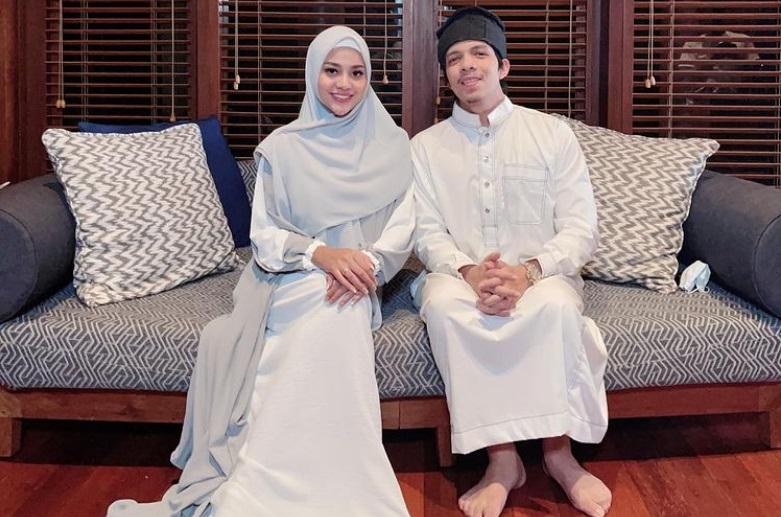 https: img.okezone.com content 2021 04 12 33 2393569 puasa-pertama-sebagai-istri-atta-halilintar-aurel-hermansyah-tampil-berhijab-MNrzCAZFPF.jpg