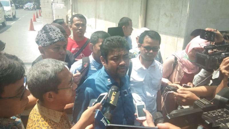 https: img.okezone.com content 2021 04 12 337 2393129 demo-serentak-di-seluruh-indonesia-berikut-sederet-tuntutan-buruh-A80e9kMM2a.jpg