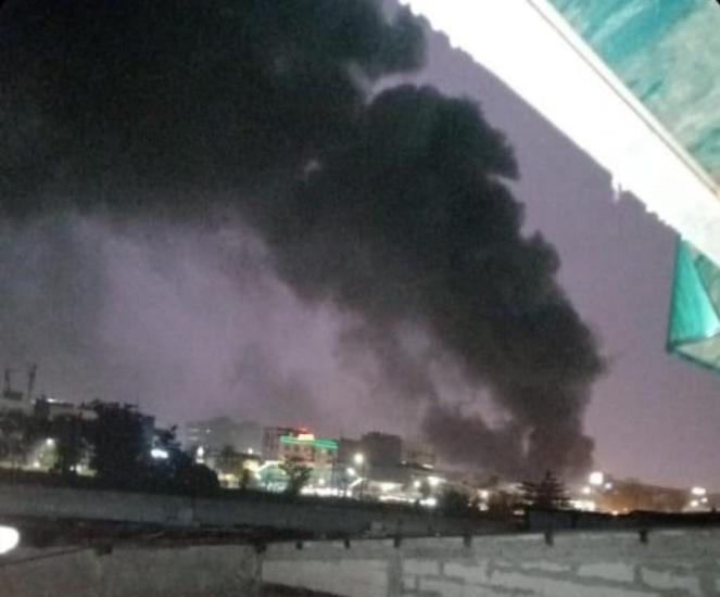 https: img.okezone.com content 2021 04 12 338 2393514 penampakan-kebakaran-pasar-minggu-asap-tebal-membubung-tinggi-ZpT0KyHztN.jpg
