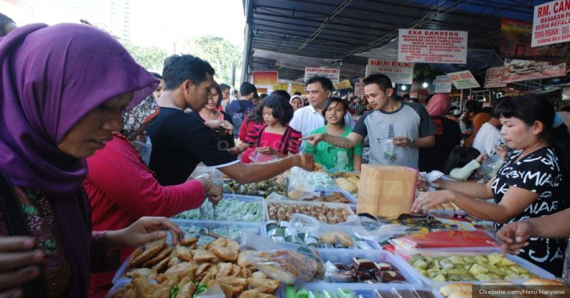 https: img.okezone.com content 2021 04 12 510 2393007 pemkot-yogyakarta-izinkan-kampung-ramadhan-digelar-disarankan-drive-thru-MIImIYPbzP.jpg