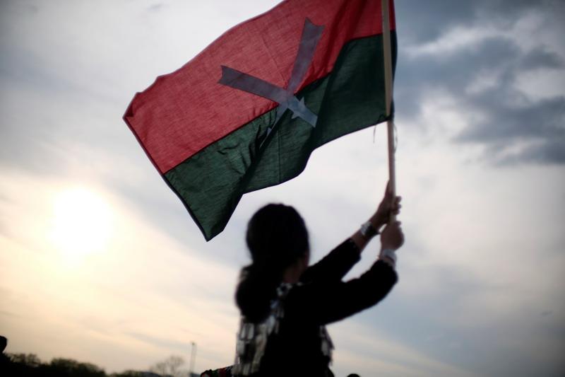 https: img.okezone.com content 2021 04 13 18 2394088 aktivis-myanmar-bersumpah-gelar-protes-selama-liburan-thingyan-pC68Ax7glE.jpg