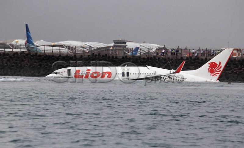 https: img.okezone.com content 2021 04 13 337 2393620 peristiwa-13-april-pesawat-lion-air-tergelincir-hingga-apollo-13-meledak-n9rVqVUfZV.jpg
