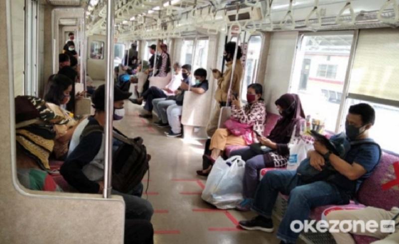 https: img.okezone.com content 2021 04 13 337 2393665 penumpang-krl-boleh-berbuka-puasa-di-kereta-tapi-secukupnya-saja-xPYvVdqnJT.jpg