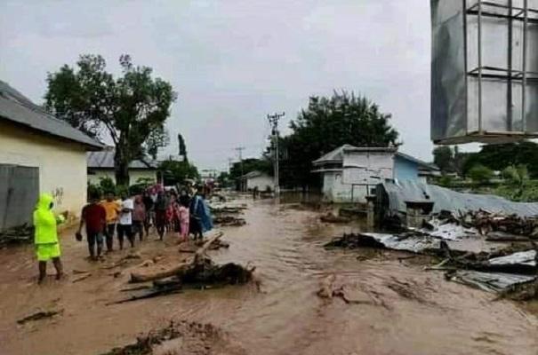 https: img.okezone.com content 2021 04 13 340 2394034 update-korban-bencana-di-ntt-178-meninggal-47-masih-hilang-93v9mQZ4TS.jpg