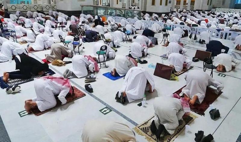 https: img.okezone.com content 2021 04 13 614 2393906 sholat-tarawaih-di-masjidil-haram-hanya-boleh-masuk-jamaah-yang-sudah-divaksin-hdqsWBDuBm.jpg