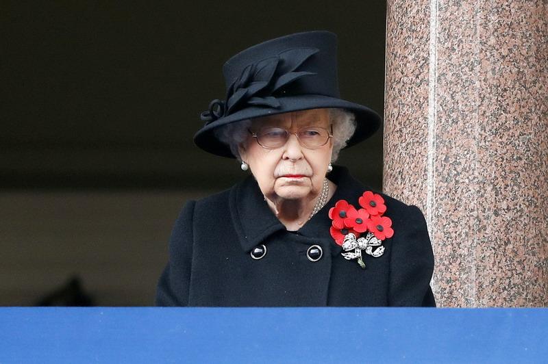 https: img.okezone.com content 2021 04 14 18 2394373 ratu-elizabeth-kembali-lakukan-tugas-resmi-kerajaan-4-hari-setelah-kematian-suaminya-jfuMrlPFpZ.jpg